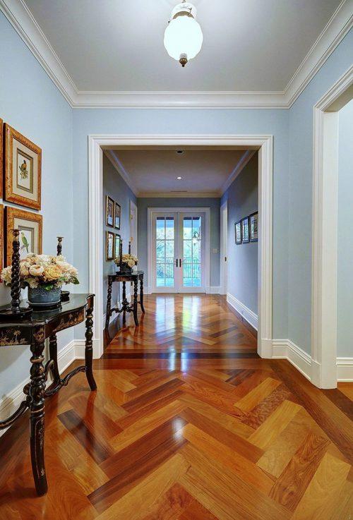 traditional-hallway-and-landing