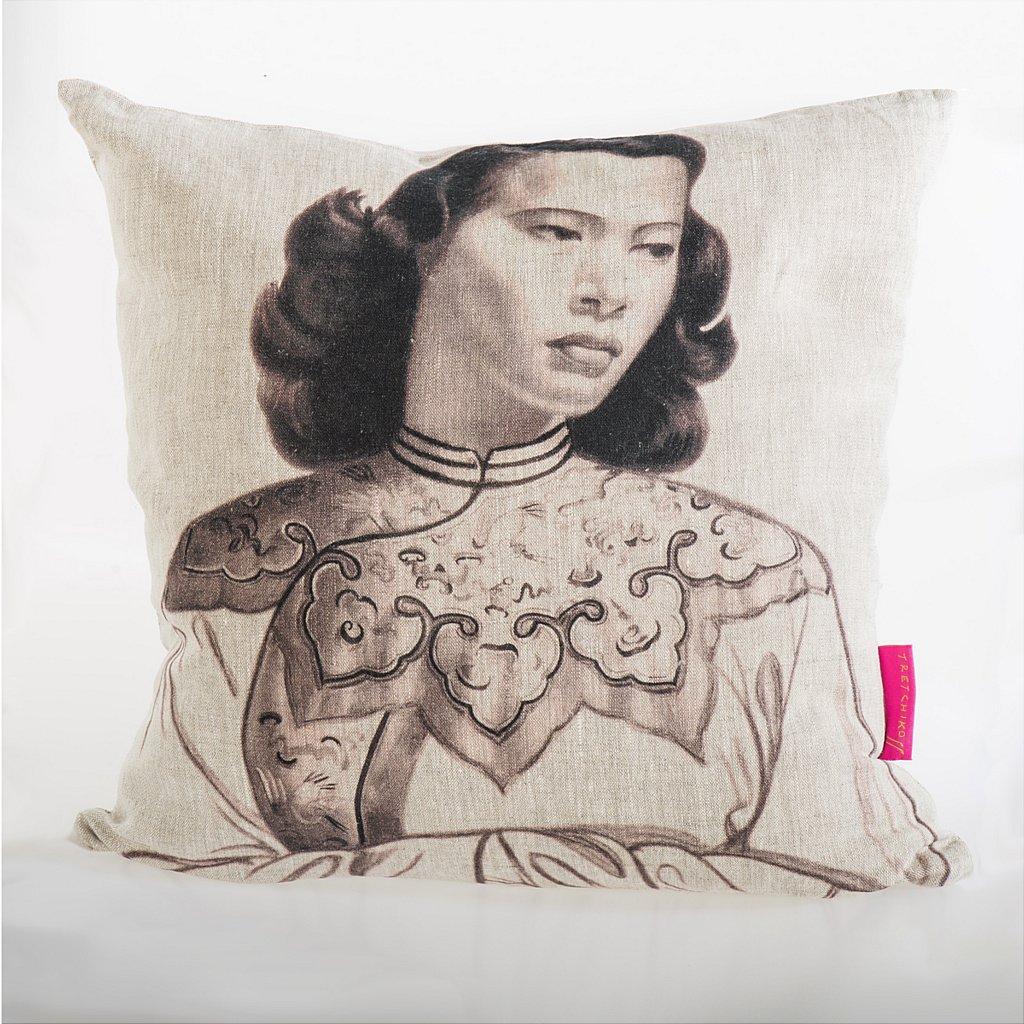 L_16182_Chinese_Girl_Mono_Cushion