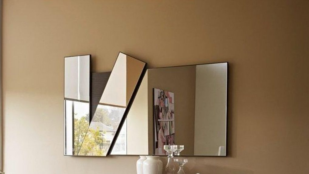 Aleal dunes mirror