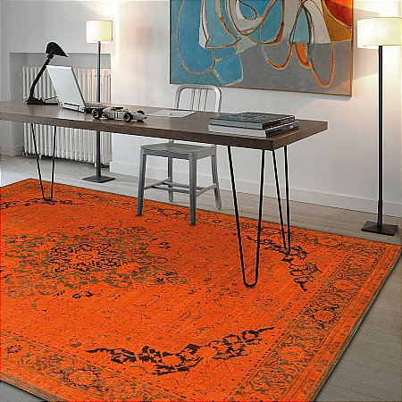 Louis De Poortere - Vintage Heriz Rug Collection